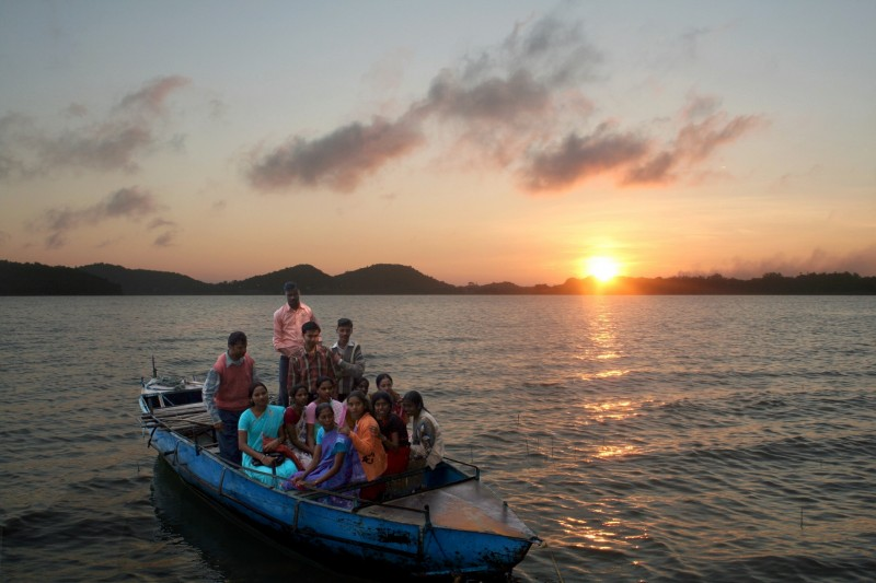 Tourists in Maithon Reservoir DVC